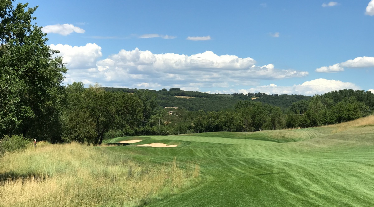 the travelling golfer castiglion del bosco golf club