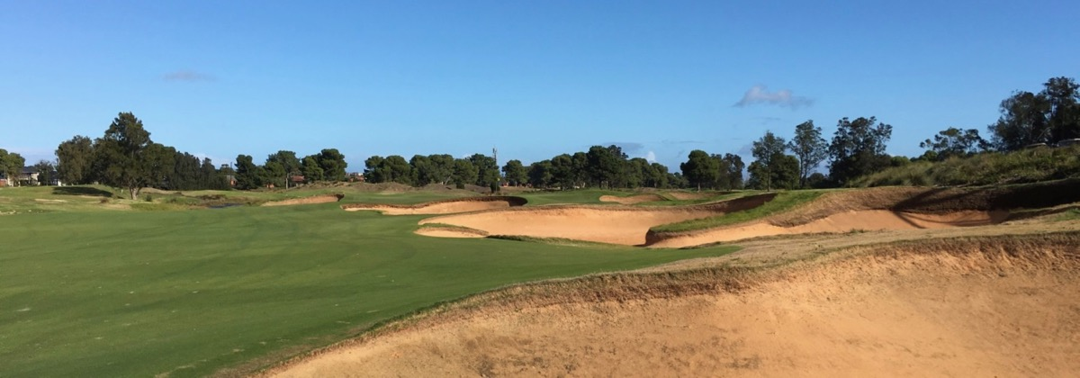 Glenelg GC- Hole 18 cross bunkering