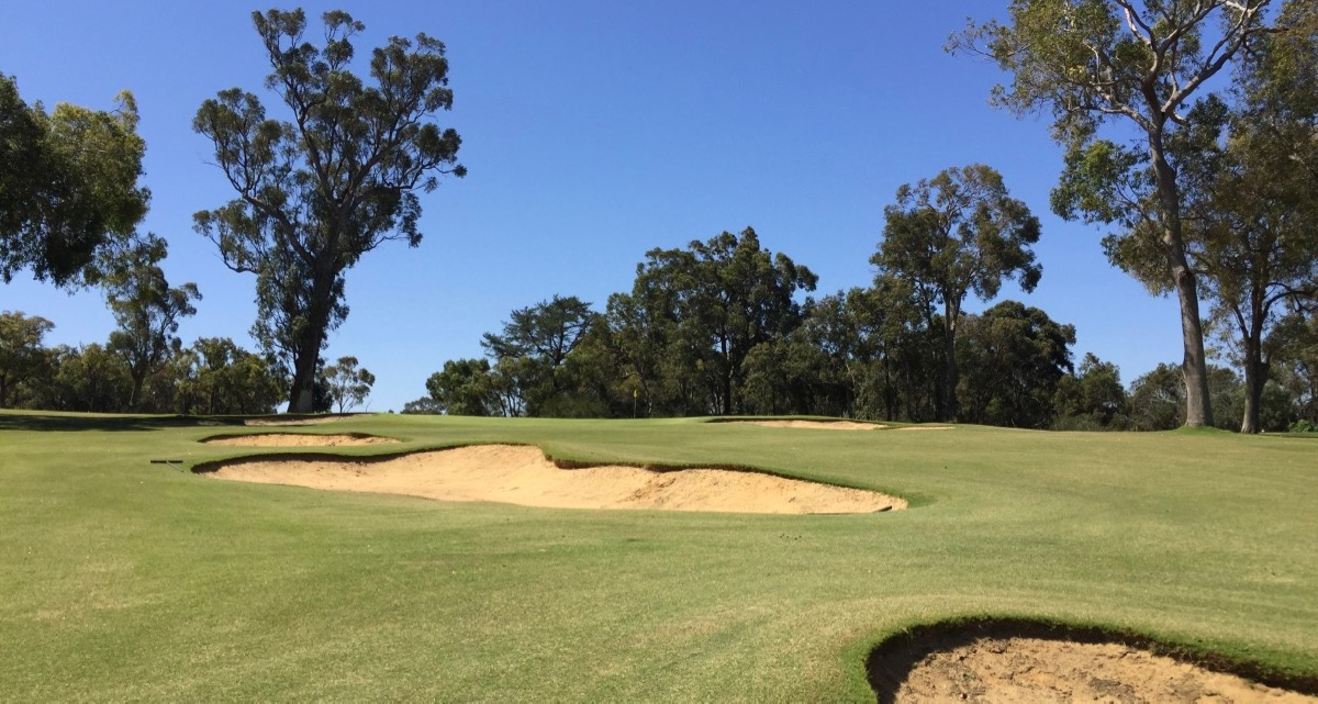 Lake Karinyup CC- hole 14