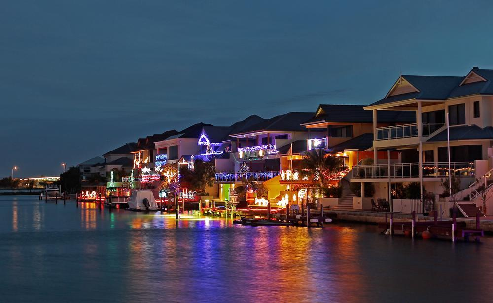 Mandurah marina by night