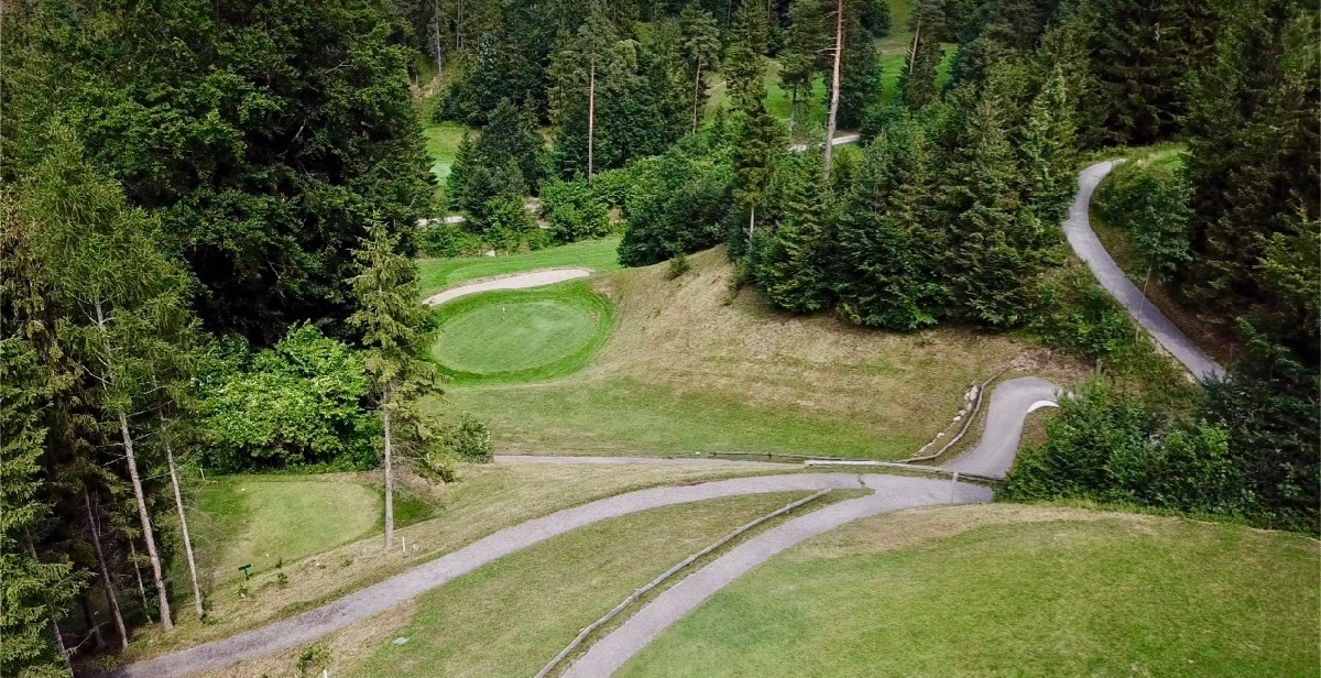 Adamstal: Wallenbach course- hole 3, the drop shot green