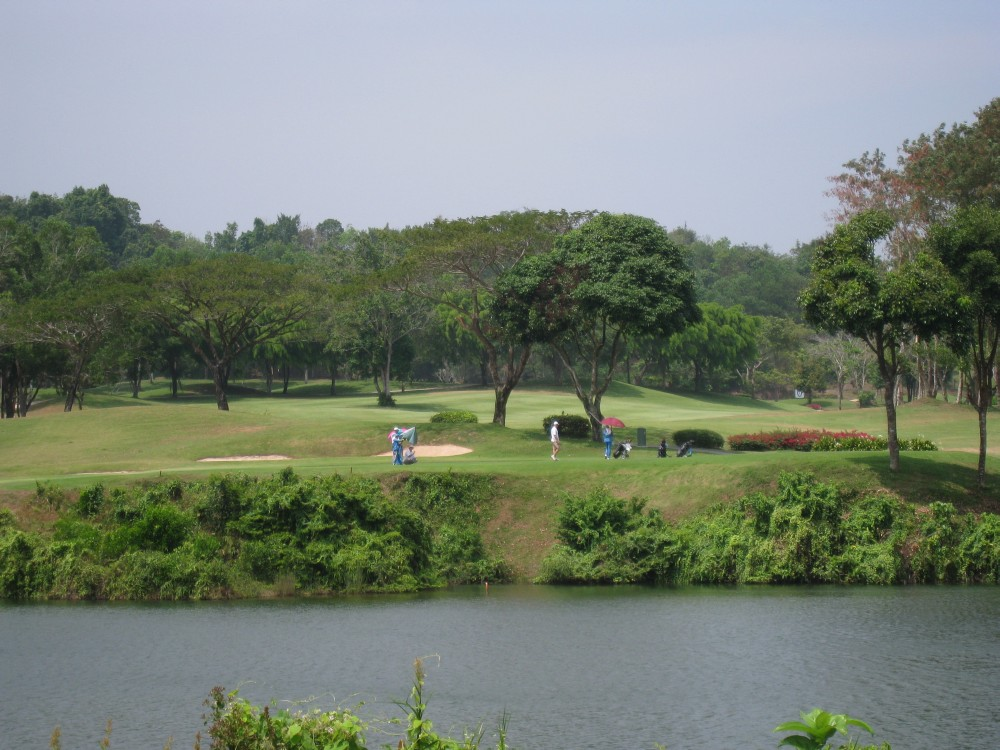 Blue-Canyon-Country-Club-Lakes-Course-001