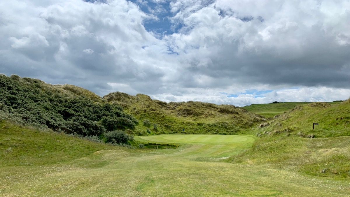 Castlerock GC- Bann course: hole 6