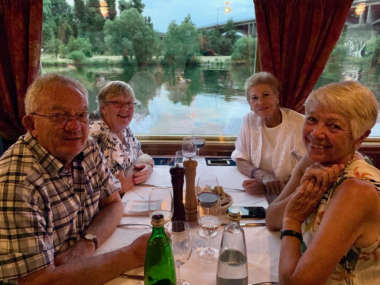 Prague: dinner on the cruise