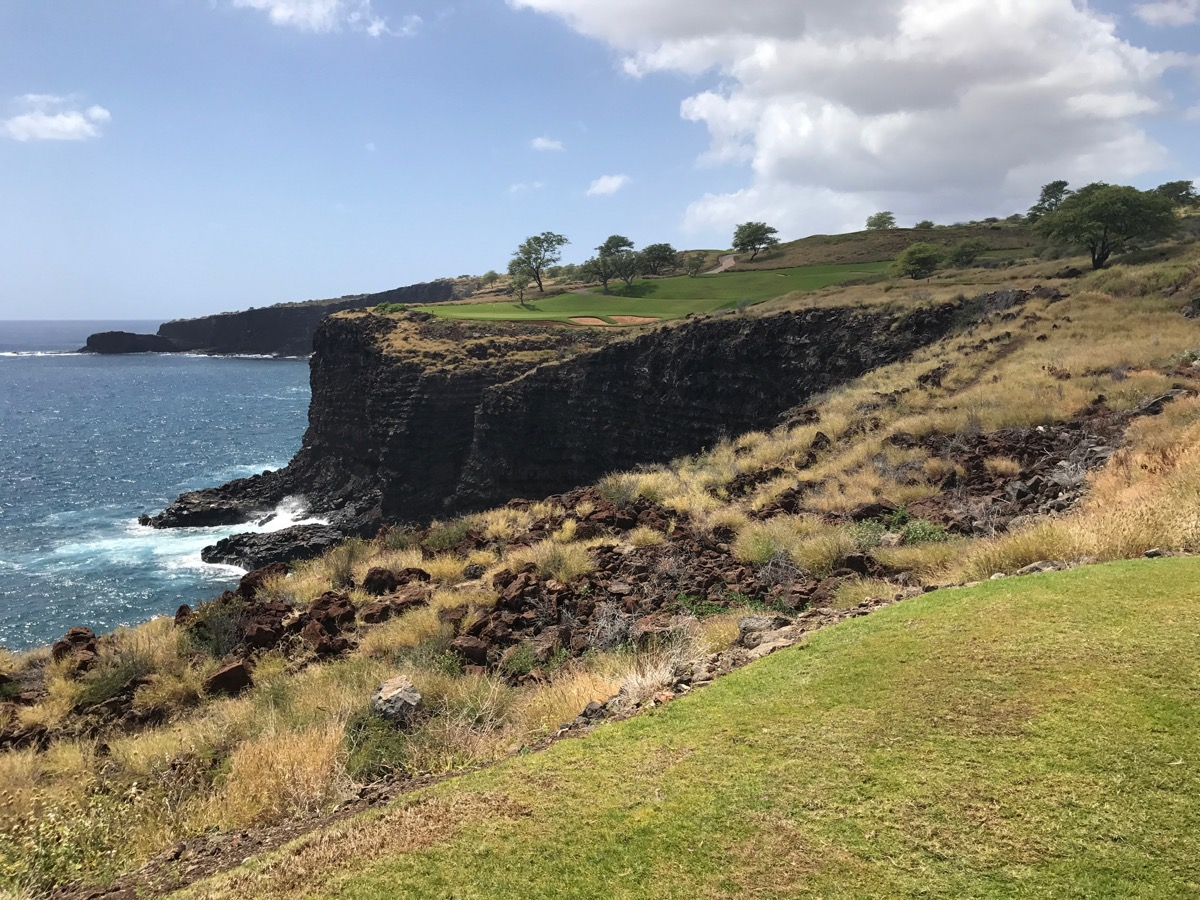 Lanai'i Golf Course, Manele- hole 12 tee shot