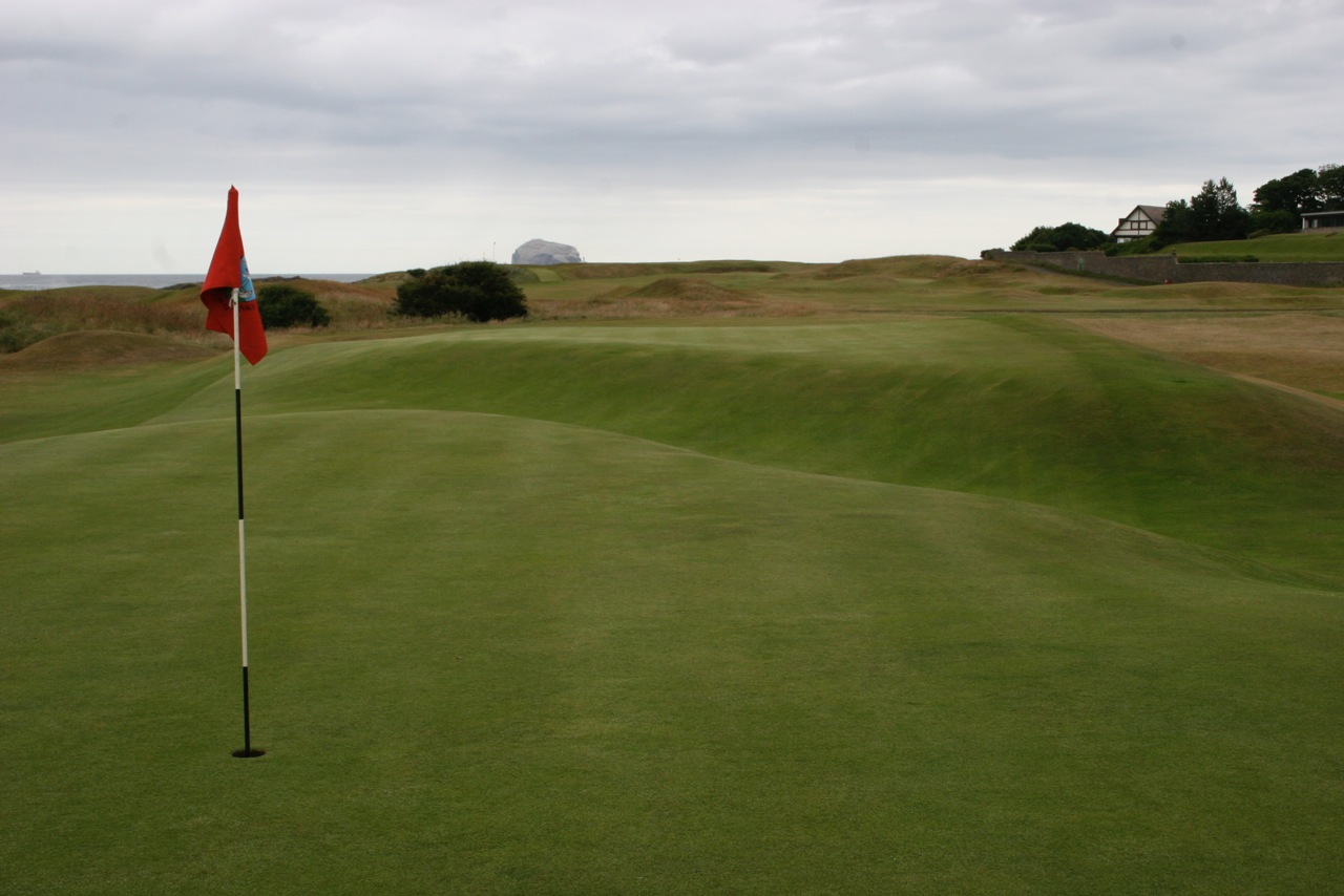 North Berwick Golf Club( West Links) East Lothian- hole 16