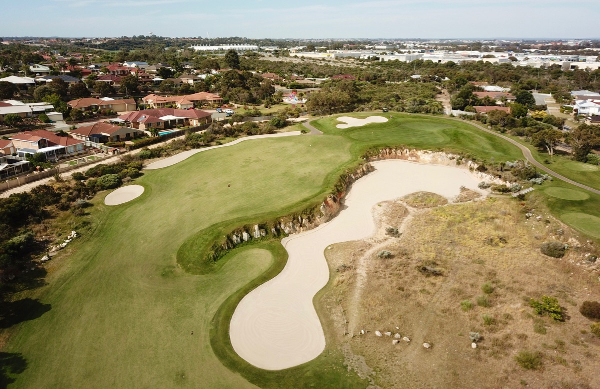 Joondalup Resort- Quarry Course: hole 4 approach