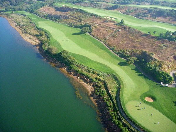Spring City Resort- Lake Course: Hole 9 from above