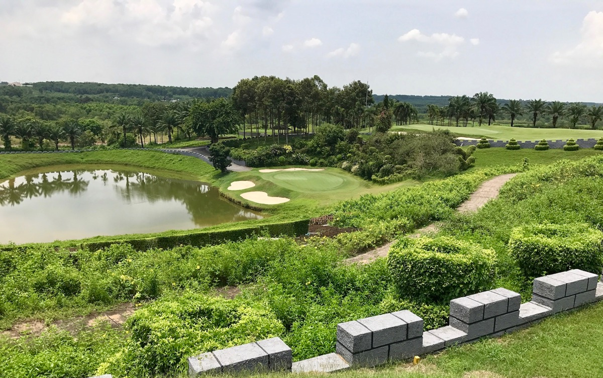 Long Thanh GC- Hill Course- hole 4
