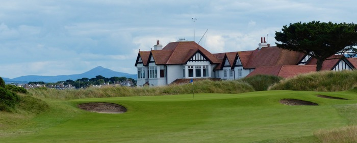 Portmarnock Links- hole 18 & clubhouse