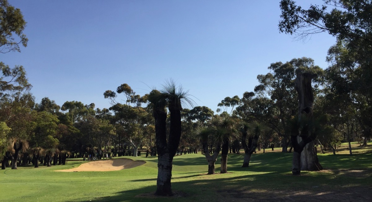 Royal Fremantle GC-  hole 2 approach