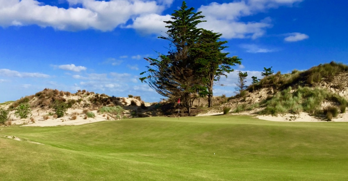 Tara Iti- the tiny green on the par 4 7th hole