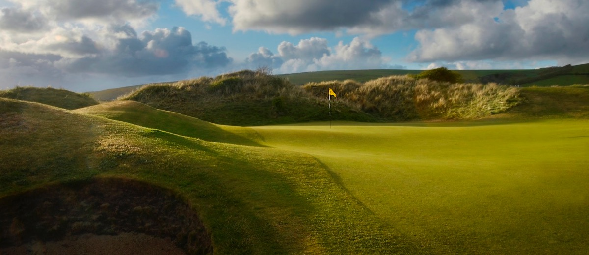 The 9th green of Saunton Golf Clubs East Course
