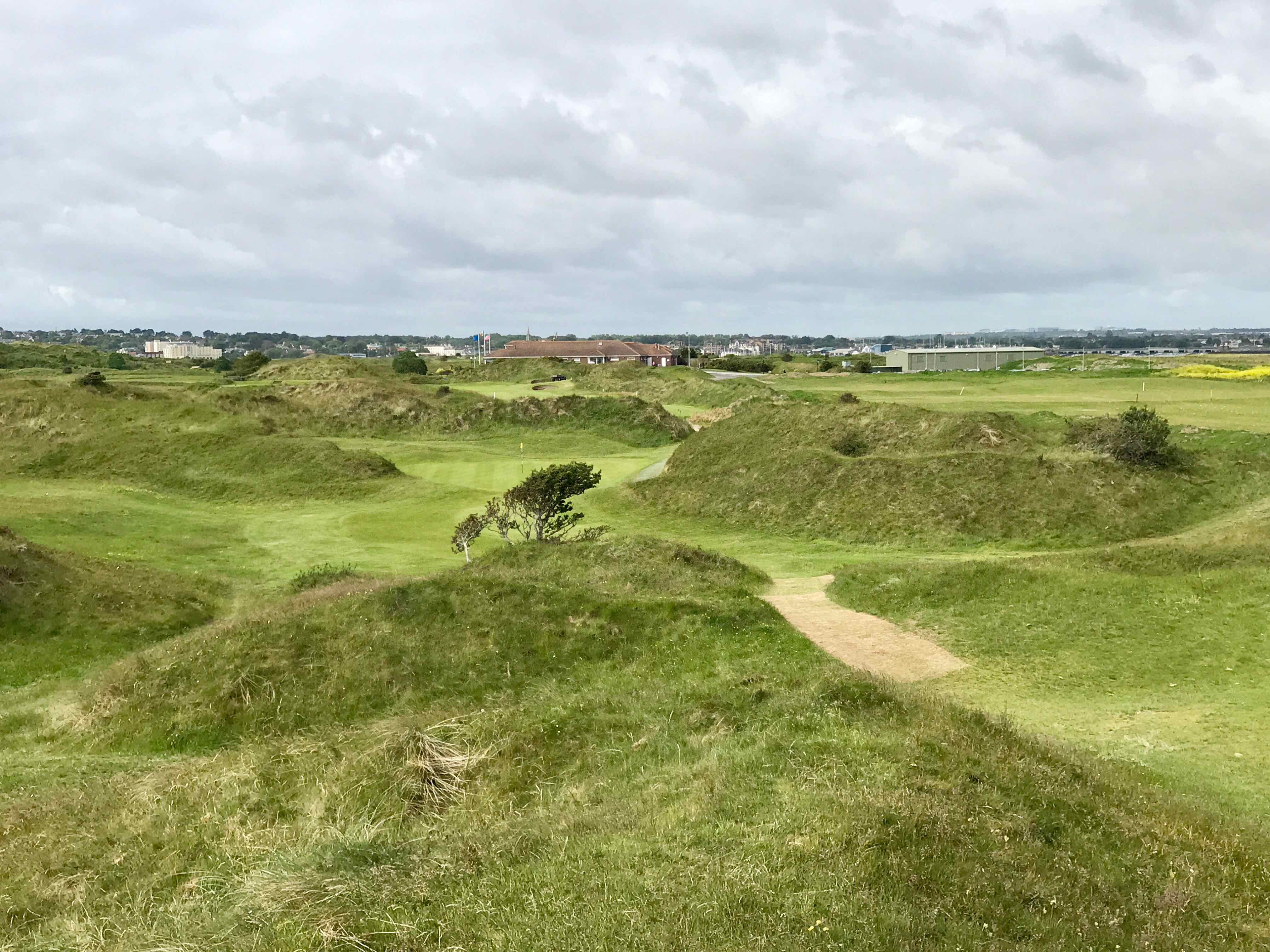 The Island GC- hole 8 approach