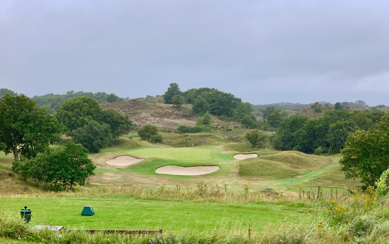 Royal Hague G & CC- hole 4