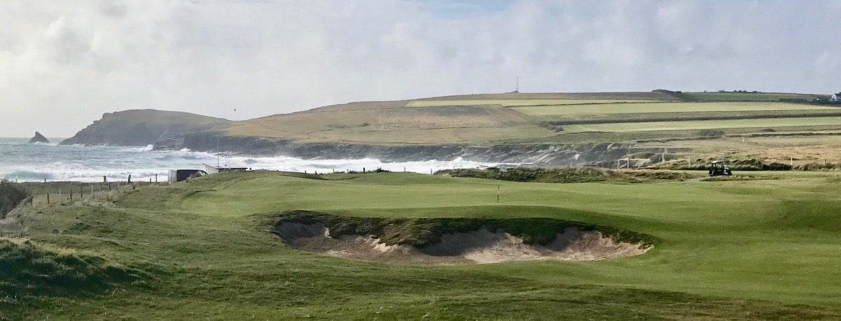 Trevose GC- hole 4 on the sea