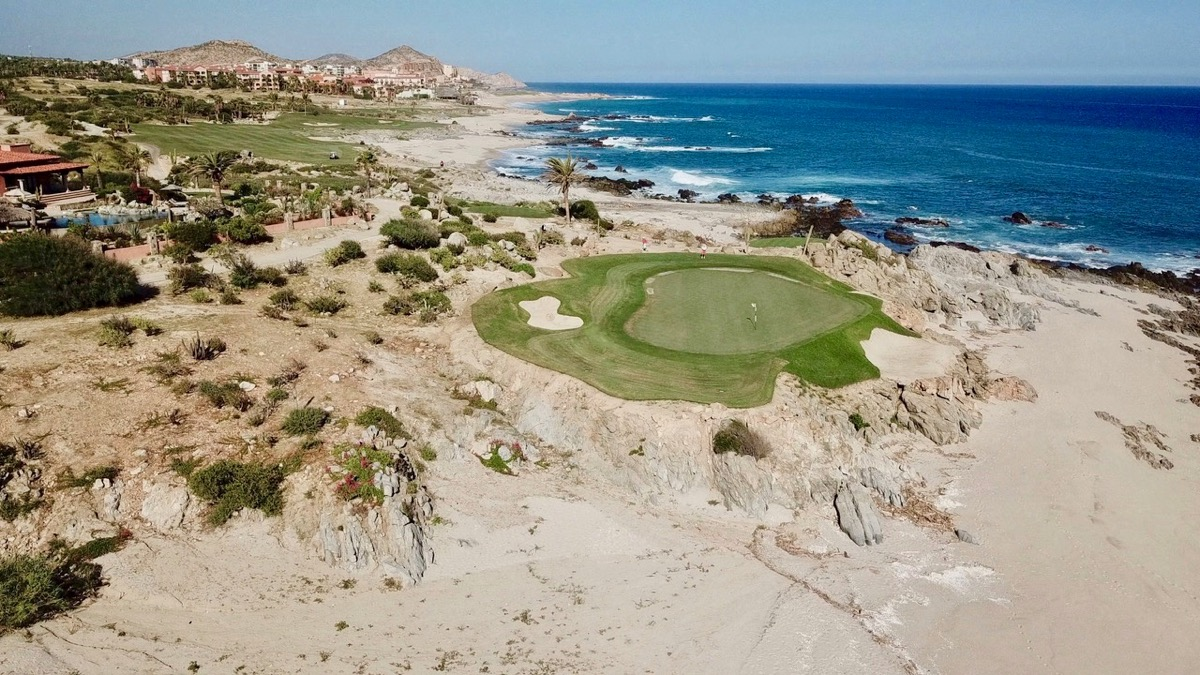 Cabo del Sol- Ocean Course- hole 17 high green view by drone