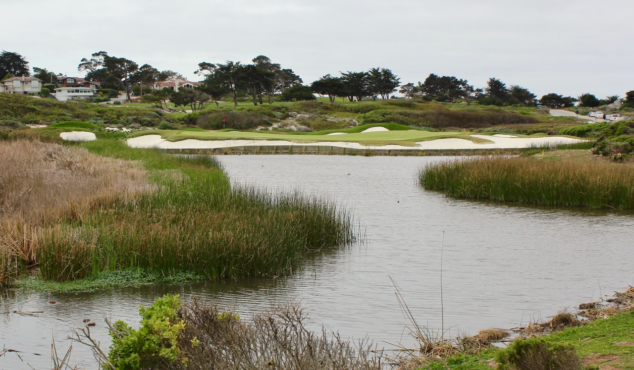 The Links at Spanish Bay- hole 8. Photo by Heather Wood from The Travelling Golfer
