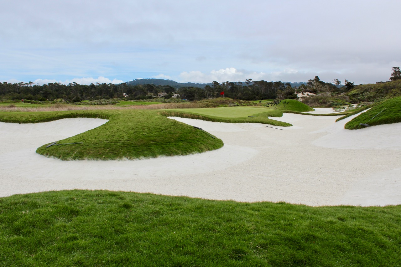 The Links at Spanish Bay- back bunkers at hole 8. Photo by Heather Wood from The Travelling Golfer