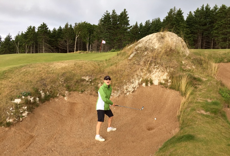 Cabot Cliffs GC- hole 14- the rock in the bunker
