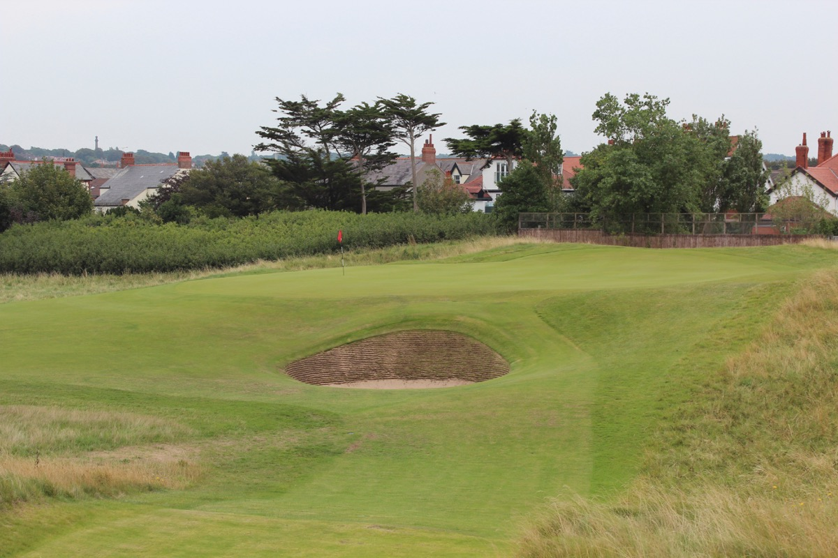 Royal Liverpool- Hole 2: Road