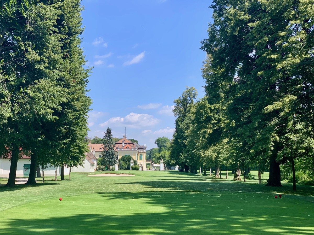 Golf Club Schloss Schonborn- hole 9